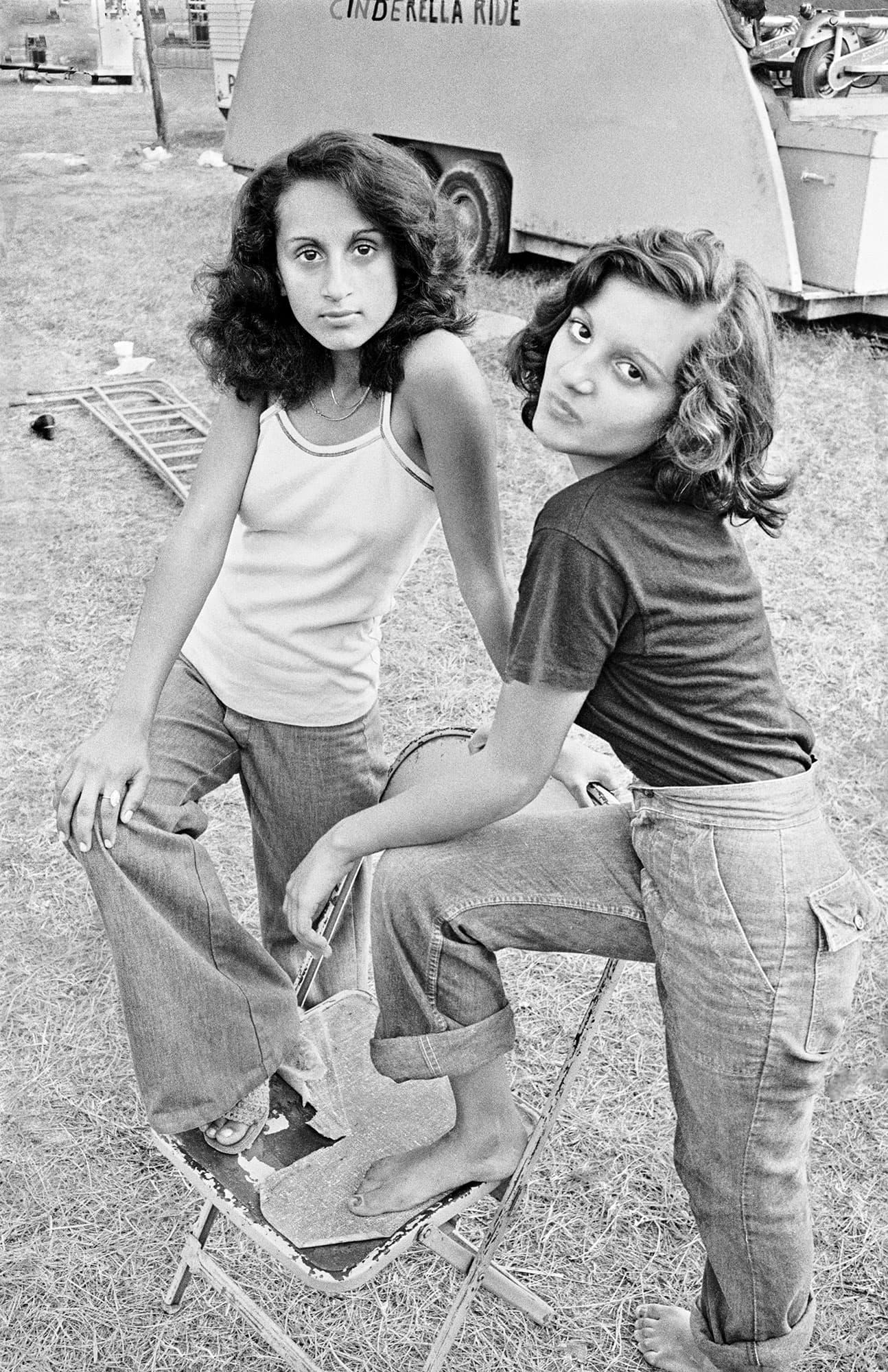 arthur-lazar-Carnival-Girls-Ohio-1976